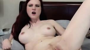 amateur babe masturbation solo